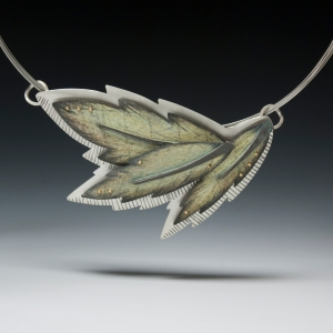 o_3 leaf necklace 72dpi