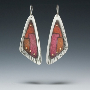 r_red wing earrings 72dpi